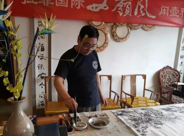 山水传情 笔墨铸爱 ——画家彭龙溪艺术人生